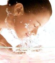 consigli-e-prodotti-cosmetici-per-la-pelle-sensibile-e-per-la-pelle-secca-e-disidratata-crema-viso-e-maschera-viso