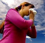 rimedi-naturali-per-il-raffreddore-omeopatia-e-oli-essenziali-per-il-cambio-di-stagione