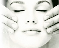 trattamenti-antirughe-crema-e-prodotti-cosmetici-contro-le-rughe-del-viso-le-novita-per-attenuare-le-rughe