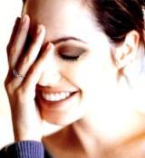 yaz-la-pillola-anticoncezionale-contro-acne-ritenzione-idrica-mal-di-testa-e-sindrome-premestruale