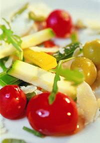 cibi-e-abbronzatura-nella-dieta-dell-estate-verdura-a-volonta-per-un-alimentazione-sana-e-l-abbronzatura