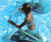 acquagym-corsi-di-acquarunning-il-tapis-roulant-in-acqua-per-dimagrire-e-rassodare-glutei-gambe-e-pancia