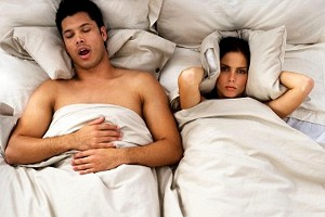 roncopatia-e-disturbi-del-sonno-smettere-di-russare-con-il-cuscino-giusto-lo-studio-americano-della-tempur