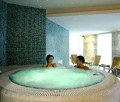 Centro Benessere Spa Grand Hotel Terme di Comano Trento trattamenti a base di acqua termale