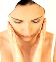 Trattamento Laser per eliminare rughe, cicatrici da acne e macchie della pelle  Medicina Estetica Bellezza Viso