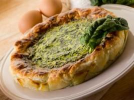 Ricetta torta salata con spinaci ricotta gorgonzola e for Cucinare dietetico