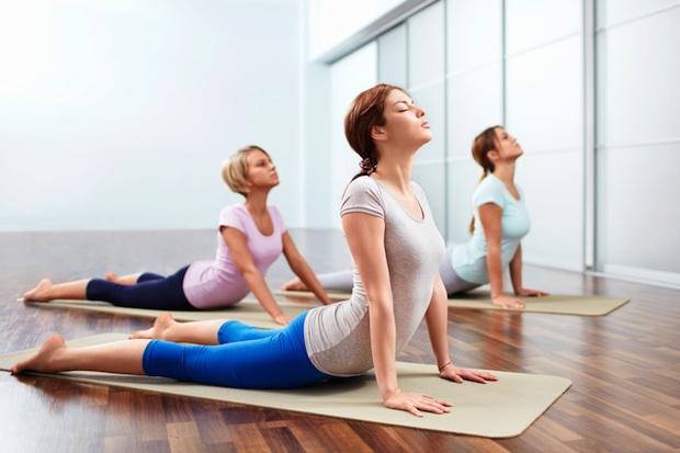 benefici-yoga-tonifica-il-corpo