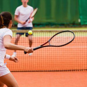 quando iniziare a giocare a tennis